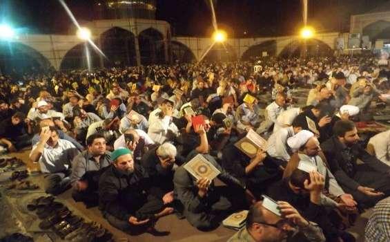 شب احیای 19 رمضان در گلزار شهدای بهشهر