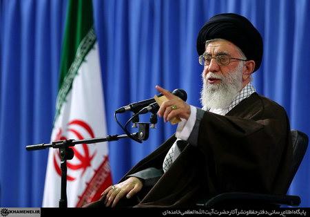امام خامنه ای (س) در دیدار فرماندهان نیروی انتظامی جمهوری اسلامی