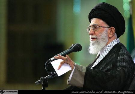 امام خامنه ای (س) در دیدار مسئولان نظام و سفراى کشورهاى اسلامى