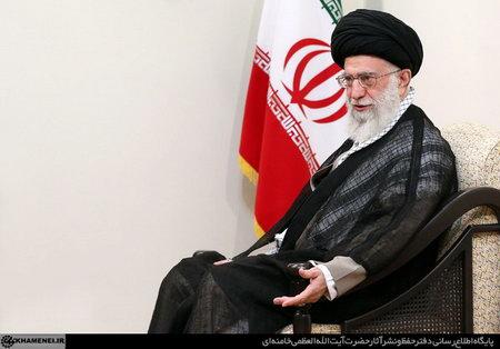 امام خامنه ای (س) در دیدار با نخستوزیر عراق